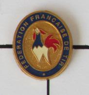 1 Pin's TIR SPORTIF - FEDERATION FRANCAISE DE TIR Signé ARCAPEA PARIS - Pin's