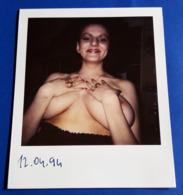 Vintage SEXY PIN-UP GIRL Photo - POLAROID Portrait - Junge Frau (halb-nackt/nude/nu), Jeune Femme, Young Woman [19-609] - Pin-ups