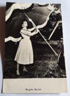 BRIGITTE BARDOT # Alte Foto-AK, Gelaufen 1961 # [19-56] - Schauspieler