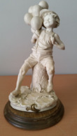 G.Armani Sculptuur Jongen Met Balonnen - Sculture