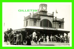 KOWLOON, CHINE - FERRY-WHARF H. K. - KOWLOON CANTON RAILWAY - WELL ANIMATED WITH PEOPLES - TRAVEL IN 1937 - - China