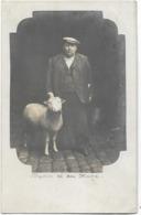 Carte-photo Représentant BAPTISTE Le Mouton Et Son Maître. CPH Ayant Circulé. BE. - Autres