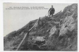 LA HAGUE JOBOURG - N° 518 - LA DESCENTE AUX GROTTES PAR LE SENTIER DU TOURING CLUB AVEC PERSONNAGE - CPA NON VOYAGEE - Frankreich
