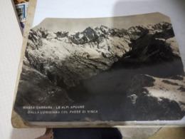 MASSA CARRARA - LE ALPI APUANE DALLA LUNIGIANA COL PAESE DI VINCA V1954  HE465 ANGOLI TAGLIATI - Massa