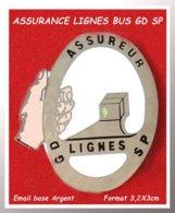 SUPER PIN'S TRANSPORTS BUS NUMEROTE 295 : ASSURANCES Des LIGNES GD Et SP, émail GRAND FEU Base Argent, Format 3,2X2,7cm - Transports