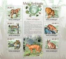 Mozambique, 2010. [moz10110] Wild Cats ( Acinonyx Jubatus, Leptairurus Serval, Panthera Pardus, Etc..) (s\s+block) - Félins