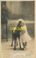 Jouets, Haute-Ecole, Petite Fille Avec Cheval à Roulettes - Jeux Et Jouets