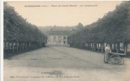 CPA - France - (60) Oise  - Songeons - Place Du Grand Marché - La Gendarmerie - Songeons