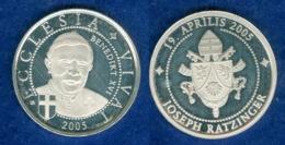 Medaille Benedikt XVI. 2005 26mm - [ 7] 1949-…: BRD