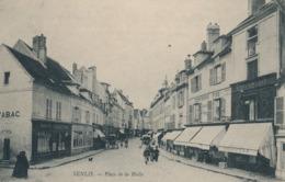 CPA - France - (60) Oise  - Senlis - Place De La Halle - Senlis