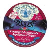 ETIQUETTE De FROMAGE..CAMEMBERT De  NORMANDIE.. ISIGNY SAINTE MERE 2002 (Cavados 14) - Kaas