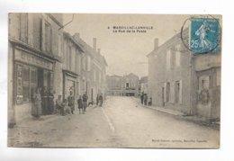 16 - MARCILLAC-LANVILLE - La Rue De La Poste. Carte Animée - Francia