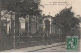92 GENNEVILLIERS  L'Ecole Des Filles De La Rue Aguado - Gennevilliers