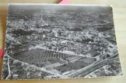 02     -     SOISSONS VUE AERIENNE GARE ET HOPITAL @ VUE RECTO VERSO AVEC BORDS - Soissons