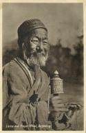Tibet Thibet, Lama Priest With Prayer Wheel In Darjeeling (1920s) Postcard - Tibet