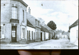 ARGOEUVRES RUE DE VAUX - France