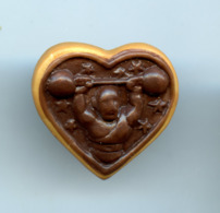 """FEVE - FEVES -  """"PERSO PAINS BEURRE ET CHOCOLAT NANTES"""" - BISCUIT COEUR HALTERES - Charms"""