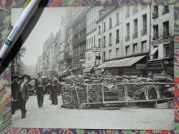 BARRICADE LIEU ? LIBERATION DE PARIS GUERRE WW2 PHOTO DE PRESSE 24 X 18 Cm PHOTO PRESSE LIBERATION - Guerre, Militaire