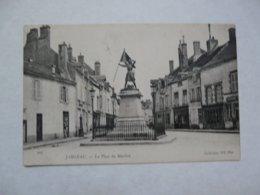 CPA 45 LOIRET - JARGEAU : La Place Du Martroi - Jargeau
