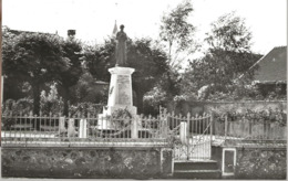 Villeneuve -au-chemin--le Monument Aux Morts - France