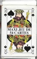 Maxi Jeu De 54 Cartes à Jouer Dans Leur Boite D'origine (fabriquée à Hong Kong) 10 X 14,5 Cm - Cartes à Jouer Classiques