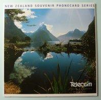 New Zealand - GPT - Souvenir Phonecard Series - Set Of 8 - $5 -  Collector Folder - Mint - New Zealand