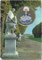 CPSM - Format 10,5 X 15 Cm - Editions GUY - En Fond Château De VERSAILLES - En Médaillon : Poupée Brodée - Embroidered