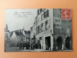 Chaumont Place Des Capucins Et Ruelle Le Moine La Maison Du Pillier - Chaumont