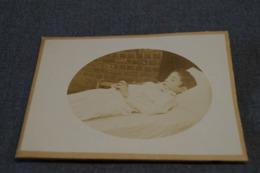 Ancienne Photo Carton  Mortuaire ( Enfant ) Originale , 15 Cm. Sur 10,5 Cm. - Photos