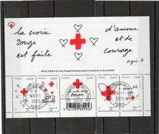 FRANCE   Feuillet 5 Timbres   0,68 €     2015    Y&T: F5001  La Croix Rouge Est Faite D'Amour Et De Courage  Oblitéré - Sheetlets