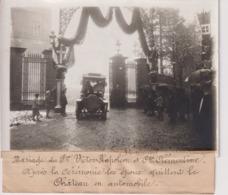 MARRIAGE VICTOR NAPOLÉON  CLEMENTINE QUITTENT LE CHÂTEAU EN AUTOMOBILE  18*13CM Maurice-Louis BRANGER PARÍS (1874-1950) - Célébrités