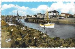 ! - France - Courseulles-sur-Mer - Le Port - 2 Scans - Courseulles-sur-Mer