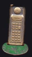 59914-  Pin's..provence Electronic.mitsubishi.frejus.toulon..telephonne. Communication.doré Or Fin. - France Telecom