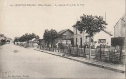 CPA 79 -- ARGENTON CHATEAU -- La Gare Et L'Entrée De La Ville - Argenton Chateau