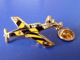Pin's Avion Militaire - F+W C-36-05 - Suisse - C-509 (Q7) - Avions