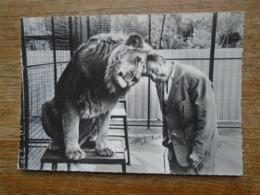 """Ermenonville , Zoo Jean Richard , Avoir Un Bon Copain ! """""""" Carte Animée Jean Richard Avec Un Lion """""""" - Ermenonville"""