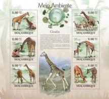 Mozambique, 2010. [moz10121] Giraffes (Giraffa Camelopardalis) (s\s+block) - Timbres