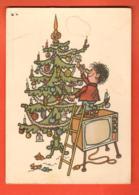 MTU-06 Joyeux Noël, Radostina Vanoce Enfant Grimpant Sur Une Télévision Pour Aller Chercher Sa Lolette.Grand Format. - Andere