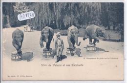 GE- GENEVE- MME DE VALSOIS ET SES ELEPHANTS- CIRQUE- CHANGEMENT DE PIEDS SUR LES TONNEAUX - GE Genf