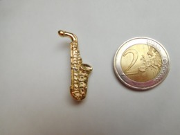 Belle Broche  ( No Pin's ) ,  Musique , Saxophone - Musique