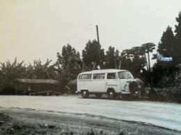 COMBI VOLKSWAGEN VW SUR ROUTE PERDUE CONGO + CAMIONETTE VW DANS LES INONDATIONS DE 1961 LÉOPOLDVILLE CONGO 5 PHOTOS - Auto's