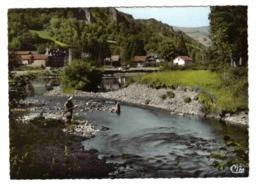 15 VELZIC Vers Aurillac N°9 Lac De La Vernière En 1978 Femme Pêche Jeune Fille Les Pieds Dans L'eau - Aurillac