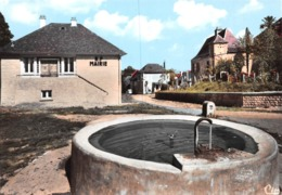 PAZAYAC - La Fontaine Et La Mairie - France