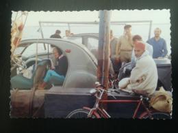 2.CV CITROËN SANS PORTIÈRES SUR BAC D ADJIM À DJORF TUNISIE TOURISTES CLUB MÉDITERRANÉE 11 PHOTOS  DE 1964 - Automobiles