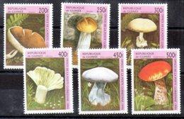 República De Guinea Serie Nº Yvert 1093/98 ** SETAS (MUSHROOMS) - República De Guinea (1958-...)