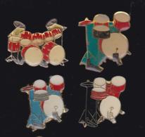 59925-lot De 4  Pin's.-batterie.percussions.. - Musique
