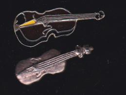 59927-lot De 2  Pin's.-violon. - Musique