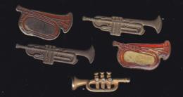 59928-lot De 5  Pin's.-trompette.. - Musique