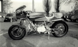 HOBEST 13*8cm+-  Motards Moto MOTOCROSS MOTORCYCLE  Doug Douglas J Jackson Archive Of Motorcycles - Coches
