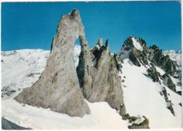 Station Du Lac De Tignes - Alt. 2100 M. - L'Aguille Piercée, La Grande Sassière (3746 M) - Savoie - Albertville